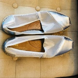 Toms espadrilles loafers silver mesh